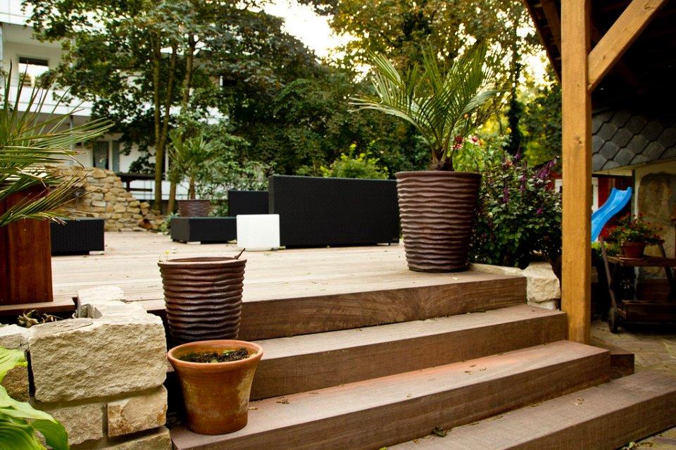 mediteraner garten. Black Bedroom Furniture Sets. Home Design Ideas